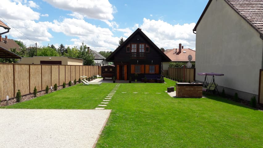 Velence Korzó Pihenőház