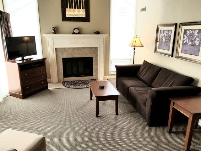 Come now -make an offer! Condo in Traverse City!