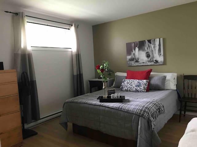 1 Chambre privée Cosy avec lit queen