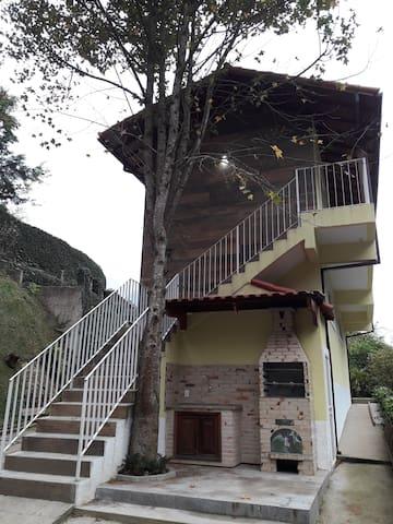 Sítio St Germain Casa Amarela Araras Petrópolis RJ