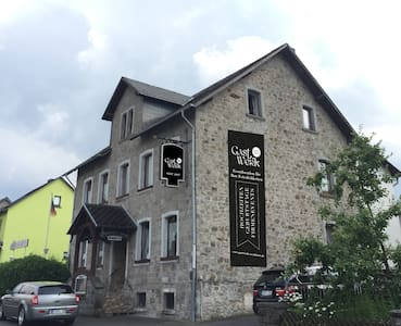 Gemütliche und große Wohnung in Helferskirchen - Helferskirchen - Huoneisto