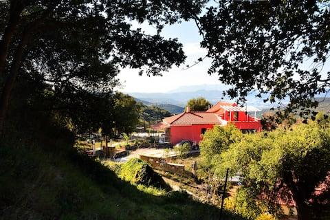 360ᵒ Mountain View Residence