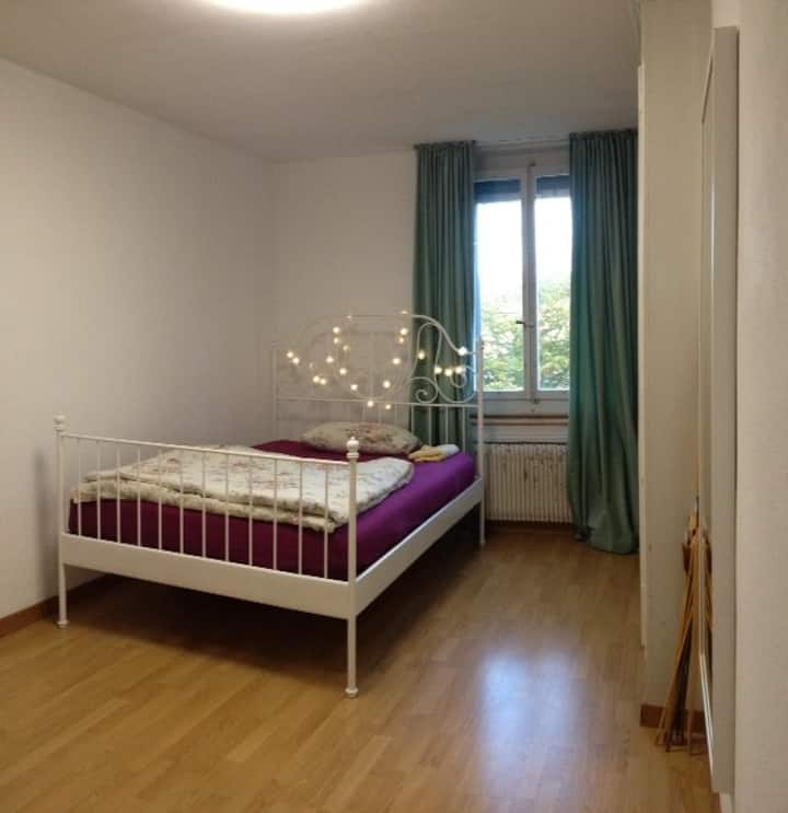 Charming room - 15min by walk to City Center
