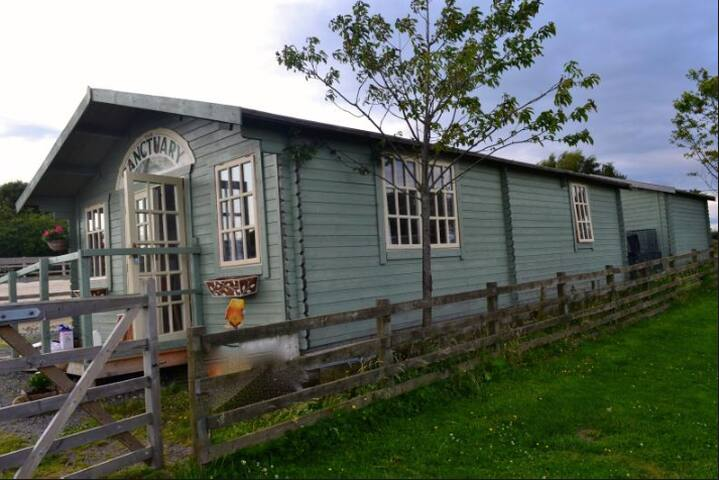 Simple,charming log cabin