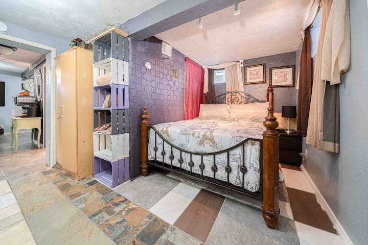 Over-Nighter Rider-Lower Level Home-Pet Friendly