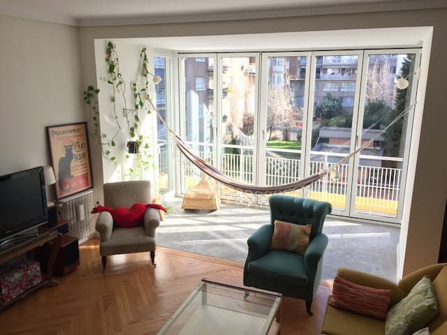 Spacious and bright apartment, Wi-Fi, Chamberí - Madrid - Apartamento