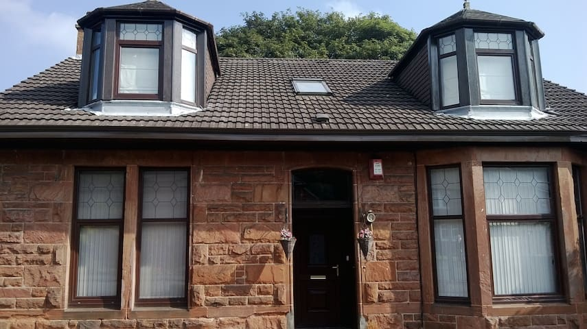 Comfortable  home from home has wheelchair access
