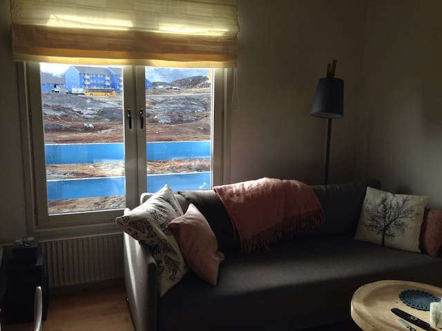 Hyggelig 2 plans lejlighed t/2pers - Nuussuaq - Appartement