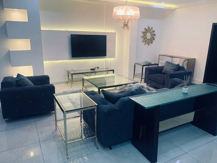 Luxurious 3BD Townhome in Parkview Estate, Ikoyi.
