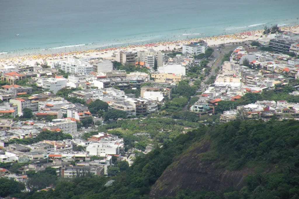 Another view from the above, the apartment is very close to the the best spot of Barra da Tijuca beach.