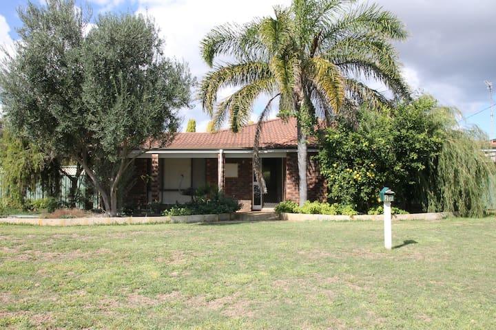 Port Denison Family Retreat