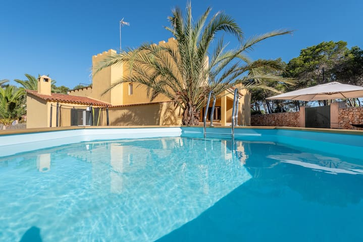 Dream House in the Beautiful Cala Mondragó 200m from the Beach, with Terrace, Balcony and Wi-Fi
