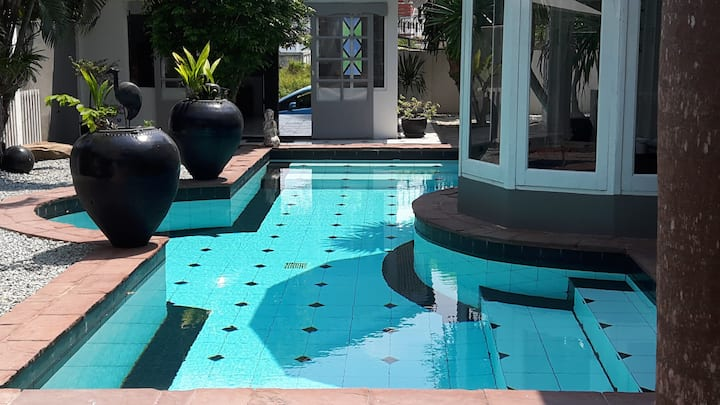 Villa 3 Beds with Private Pool in center Pattaya