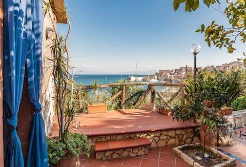 Villino Panoramico Sul Golfo Di Gaeta.Leggere info