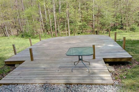 Beautiful Secluded Camping Platform - PawPaw
