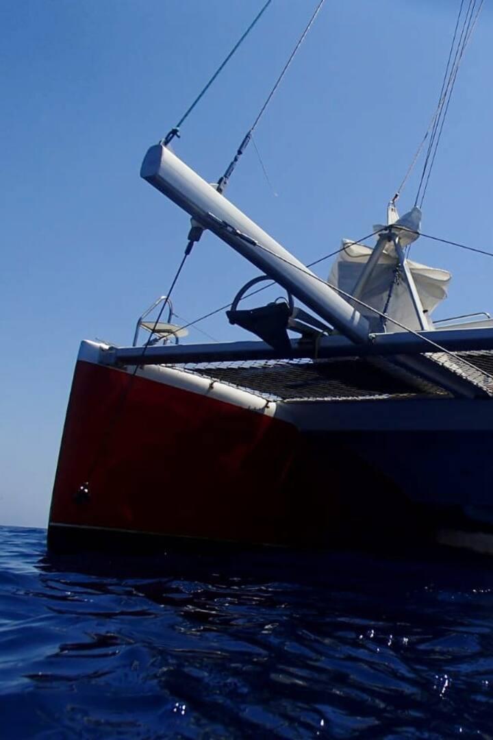 Venha velejar de catamarã