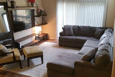 Amazing 3 Bedroom in Calabasas - Calabasas