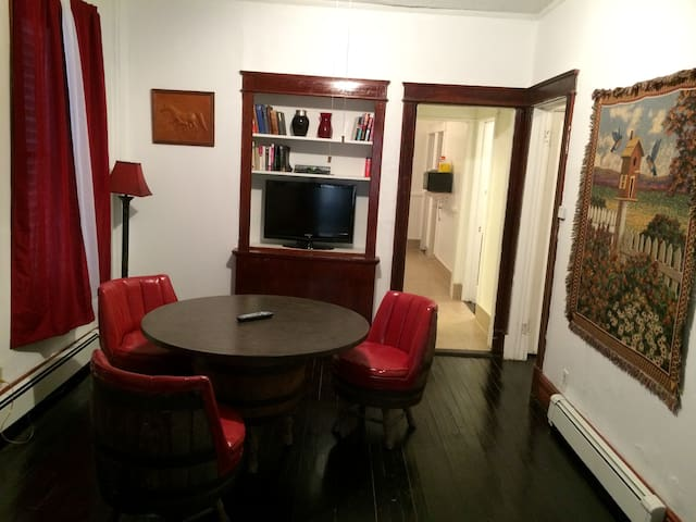 Spacious Apartment - full access, pets, kids - Albany - Apartamento