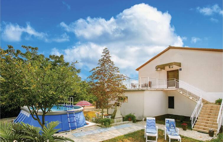 Holiday apartment with 3 bedrooms on 120 m² in Bokordici