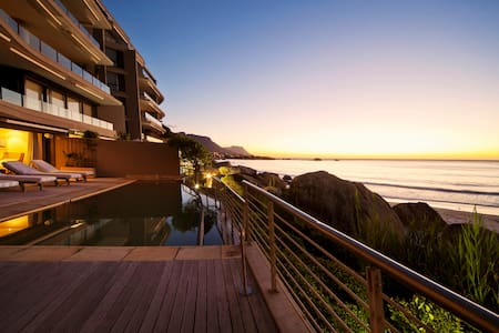 Luxury Clifton penthouse with Direct Beach Access - Cape Town