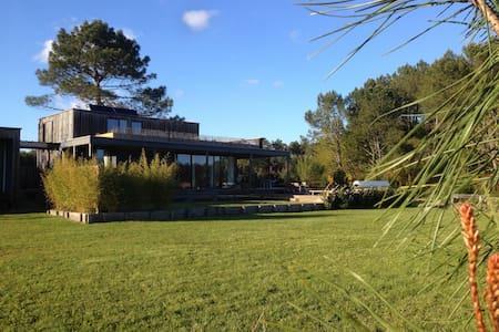 Villa en bois 190 m2 avec piscine - Messanges - Villa