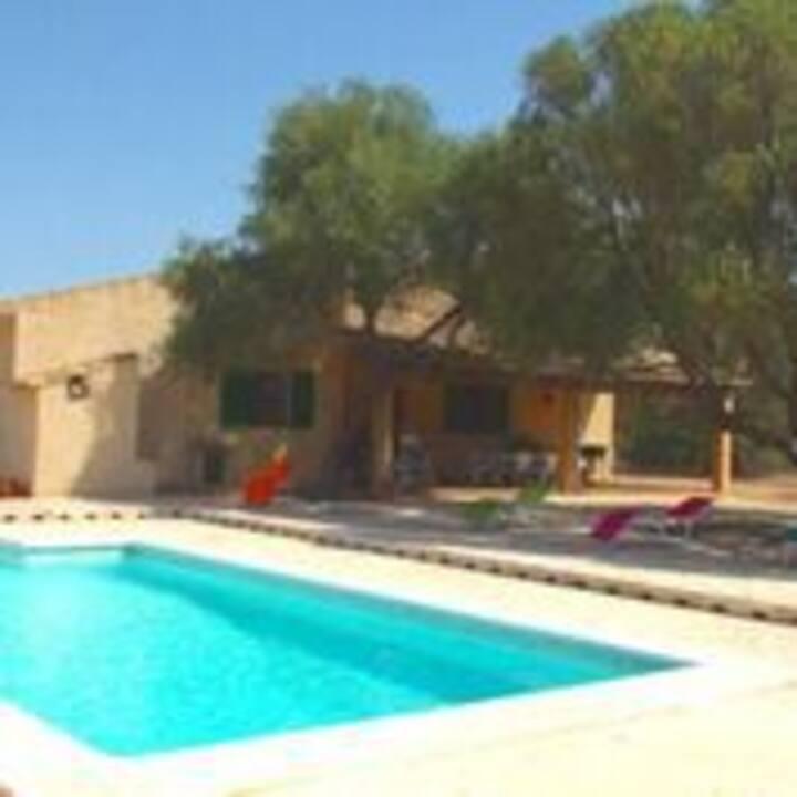 M4V2910 Villa mit Pool bei Campos; max. 6 Pers.