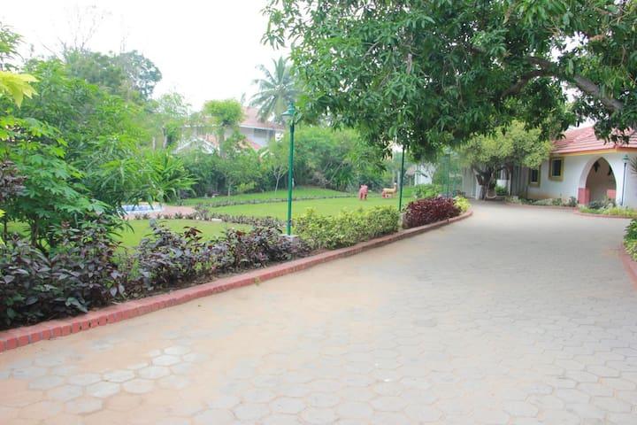 Get Together at Lakshmi Garden - ECR  Villa & Pool - Kovalam