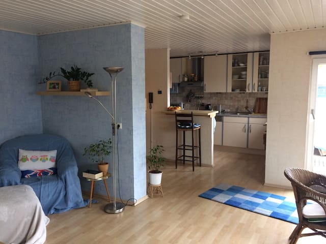 Cosy studio apartment near centre - Kassel - Hus