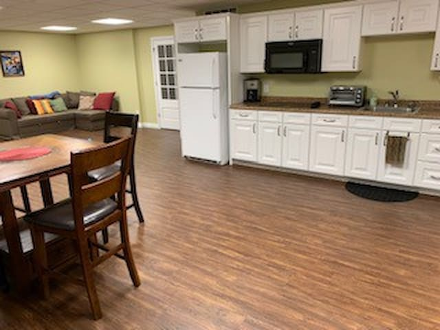 Private basement apartment in quiet neighborhood