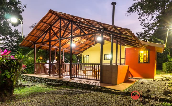 Lodge Oxygen Rainforest-Wifi, A/C, River, equipped