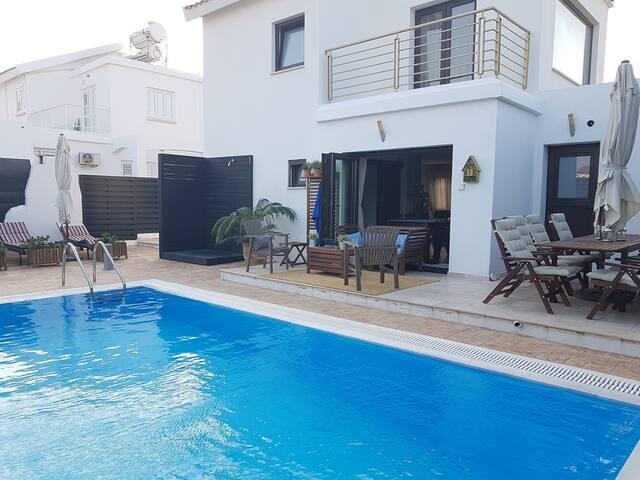 One Of A Kind Luxurious Villa Pernera-Protaras