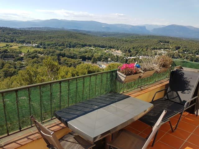 Appartement, calme, vue, tennis, piscine, WIFI