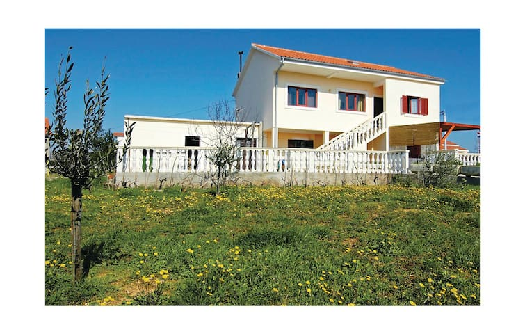 Holiday apartment with 2 bedrooms on 77m² in Vrsi