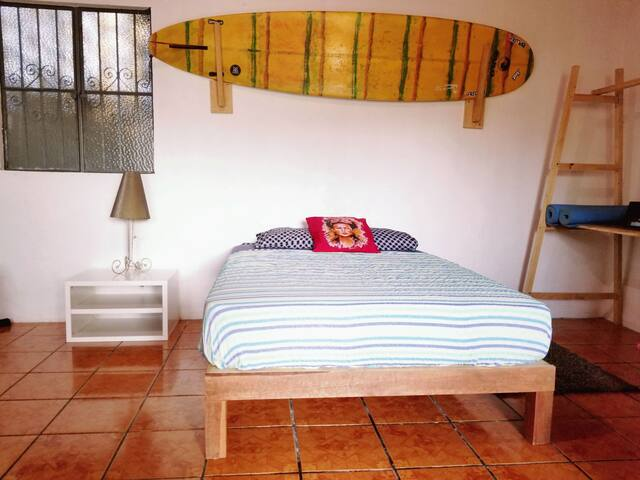 Surf studio Milagros A    1 min to water