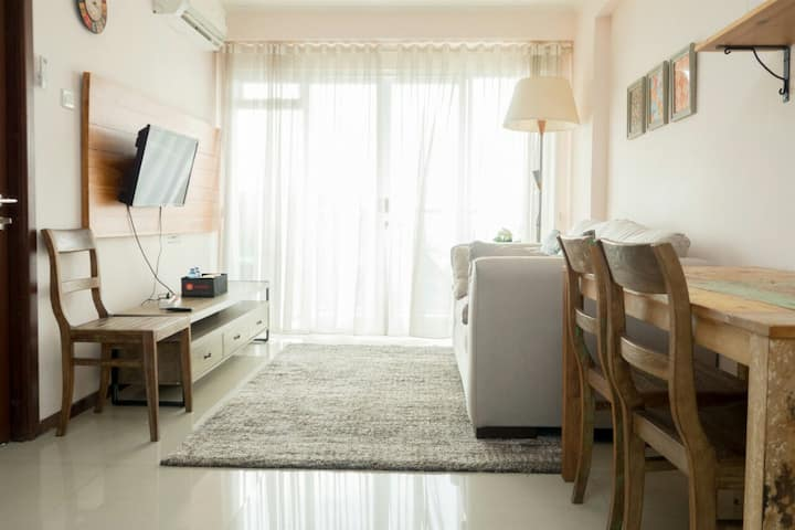 Homey 2BR Gateway Pasteur Apartment Near Exit Toll