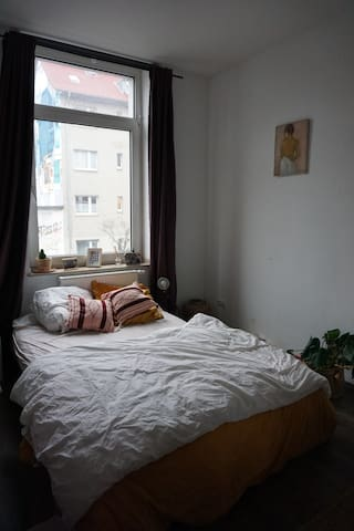 Charming Room in Ehrenfeld