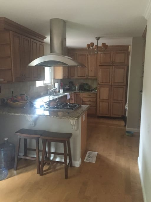 Beautiful kitchen - you can cook for yourself or family or host an awesome get together!