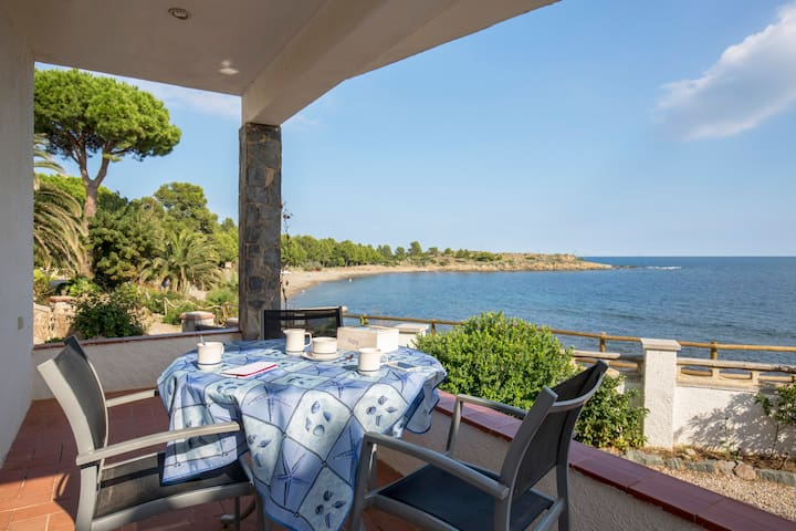 Apartment in front of the sea - Llançà - Appartement