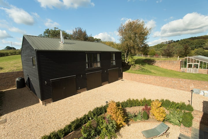 Sussex Hayloft, sleeps 6, with pool