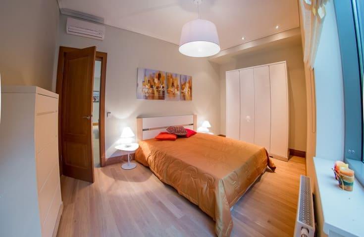 Гостевая спальня. Вид от окна