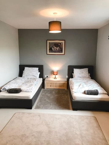 Escape to Suffolk Twin Bedroom