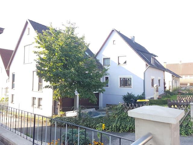 Fränkische Schweiz, Kletter- Wanderparadies, A70