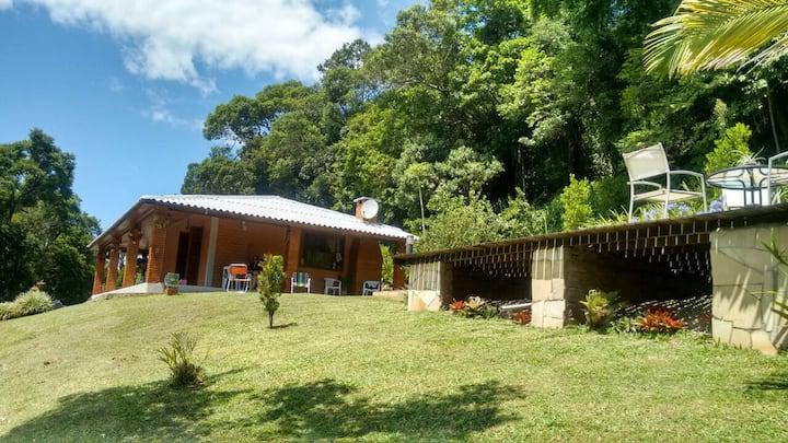 Casa Rústica com piscina em Morro Reuter