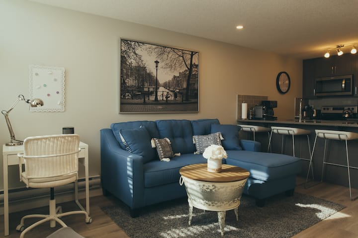 Fresh Condo Steps From South Health Campus & More!