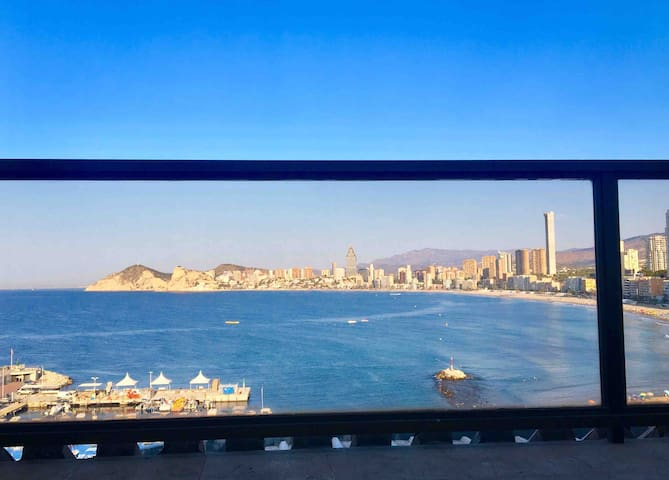 Penthouse 1ère ligne de mer avec magnifique vue