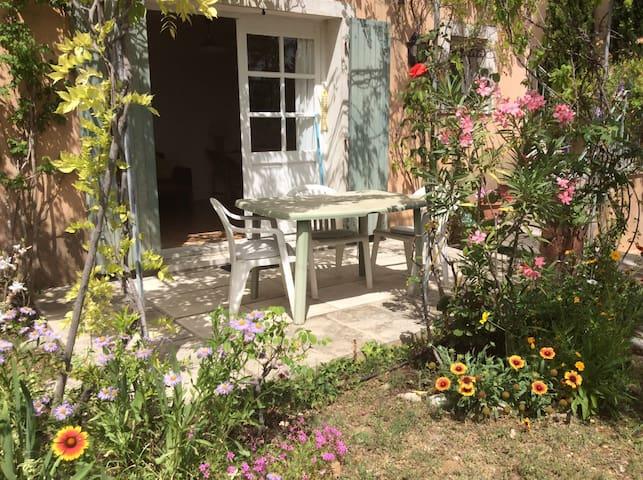 2 personnes en Provence.