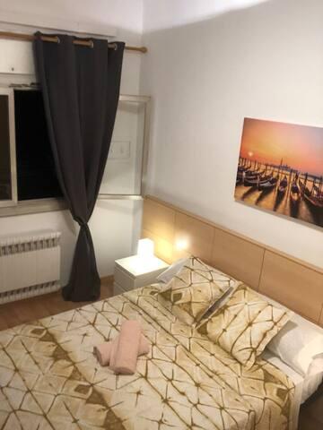 Plaça de Espanya - Yellow (Double Room)