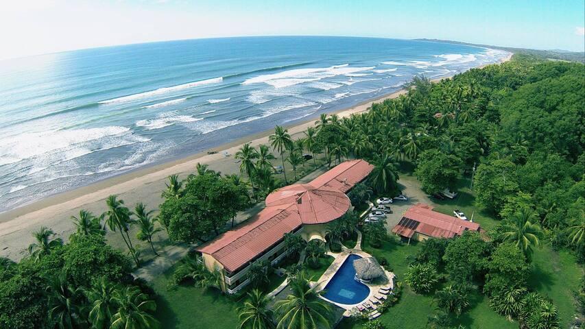 Delfin Beachfront Resort Paradise - Esterillos Este - Bed & Breakfast