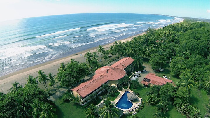 Delfin Beachfront Resort Paradise
