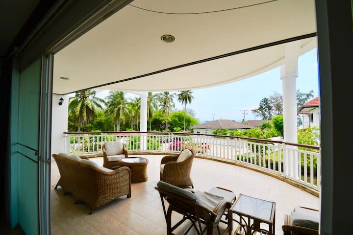 V25 strandnära lägenhet på Dolphin Beach